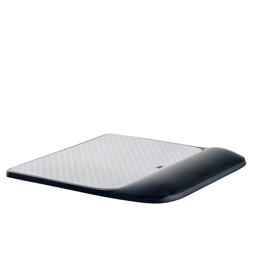 Gel mouse pad with wrist rest by 3M